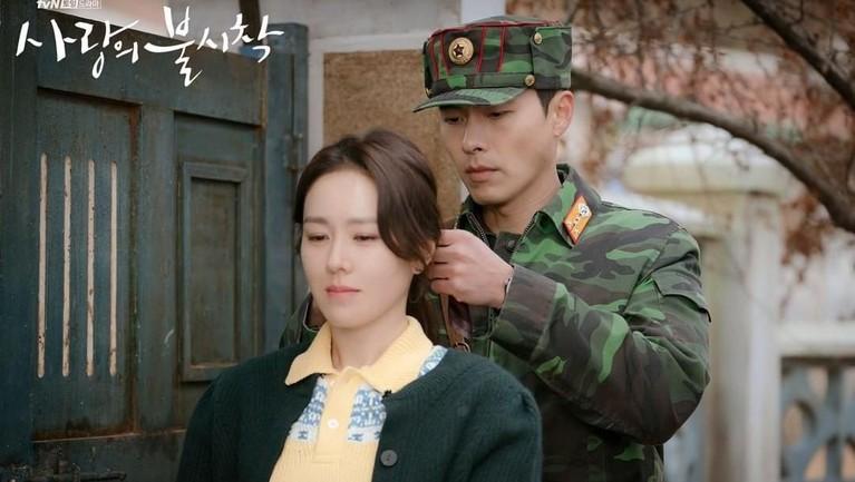 Salah satu faktor yang membuat drakor ini banyak diminati adalah chemistry antara Hyun Bin dan Son Ye Jin yang sangat memukau.