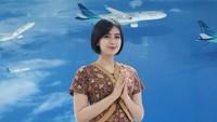 <p>Arfita diketahui berprofesi sebagai pramugari Garuda. Pekerjaannya itu membuat Arfita dan Yama harus menjalani LDR di awal-awal pernikahan. (Foto: Instagram @arfitadwip)</p>