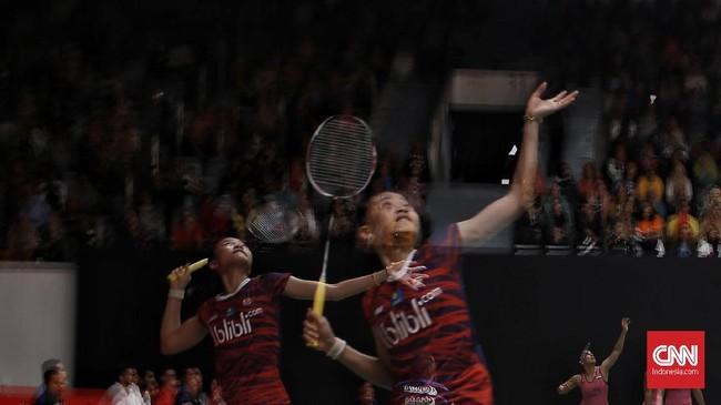 Tiga tunggal putri Indonesia, Fitriani, Ruselli Hartawan, dan Gregoria Mariska tersingkir di babak pertama Indonesia Masters.