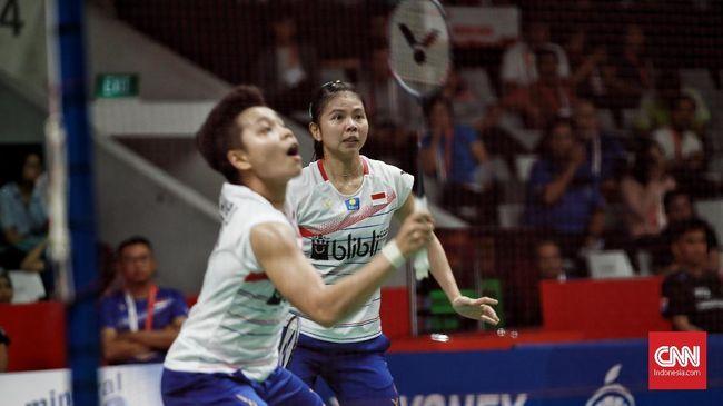 Greysia Polii/Apriyani Rahayu menang 18-21, 21-11, dan 23-21 atas Maiken Fruergaard/Sara Thygesen dalam laga final Indonesia Masters 2020.