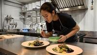 <p>Isi dapurnya seperti dapur profesional dengan standar seperti di restoran dan hotel berbintang. (Foto: Instagram @renattamoeloek)</p>