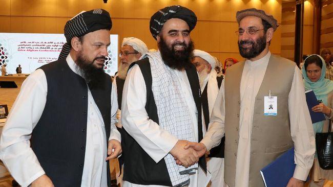 Kelompok Taliban mendukung langkah Presiden Donald Trump menarik pasukan dari Afghanistan.