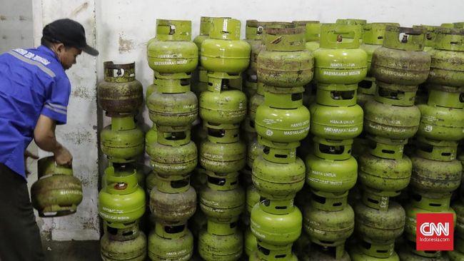 Pemerintah mengatakan akan mengubah penyaluran subsidi LPG 3 kg dari model terbuka menjadi tertutup supaya tepat sasaran.