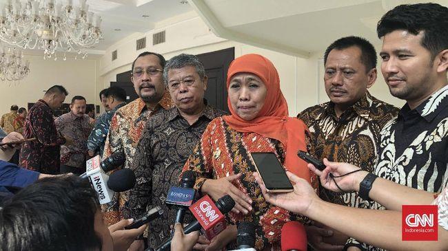 Gubernur Jatim Khofifah khawatir sebaran pasien positif virus corona jika diungkap ke publik akan membuat masyarakat khawatir dan panik.