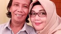 <p>Sudah lebih dari 20 tahun menikah, rumah tangga Mandra dan Mila jauh dari isu miring. Rumah tangga mereka terdengar damai-damai saja. (Foto: Instagram @mandra_ys)</p>