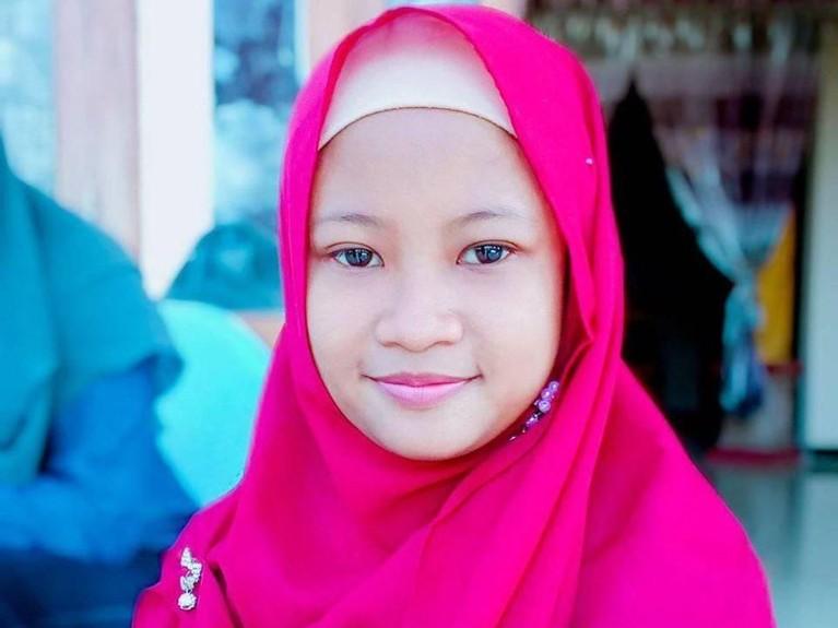 Dari laman Facebook miliknya, Aminatuz Zuroh diketahui merupakan lulusan SMK Mojoagung, Jombang, Jawa Timur tahun 2017.