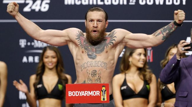 Kapten Real Madrid, Sergio Ramos mengutarakan tantangan terhadap bintang UFC, Conor McGregor.
