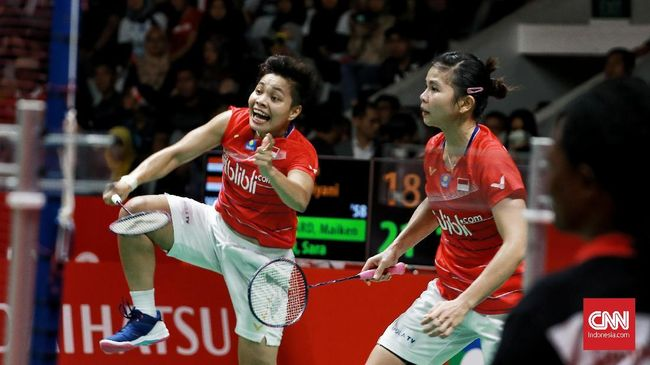 Ganda putri Indonesia Greysia Polii/Apriyani Rahayu berhasil lolos ke perempat final Toyota Thailand Open 2021.