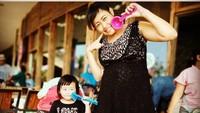 <p>Setelah kembali ke Indonesia, Pinkan lebih banyak menghabiskan waktu bersama anak-anaknya yang mulai beranjak dewasa. (Foto: Instagram @pinkan_mambo)</p>