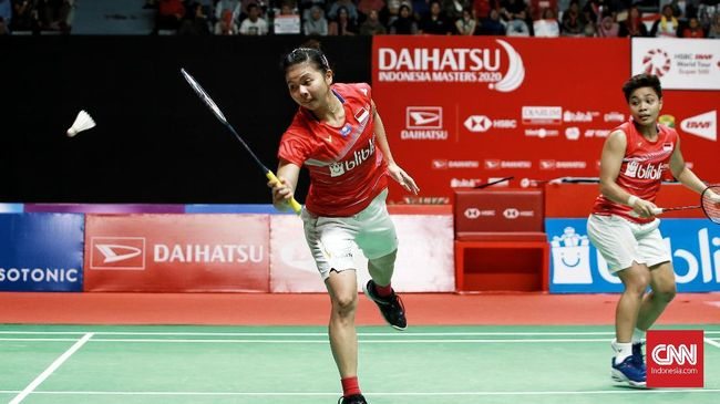 Greysia Polii/Apriyani Rahayu gagal ke final Toyota Thailand Open 2021 usai kalah 16-21, 18-21 dari Lee So Hee/Shin Seung Chan, Sabtu (23/1).