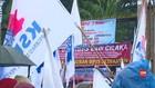 VIDEO: Omnibus Law Cipta Lapker, Buruh Soroti PHK dan UMK