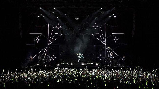 Sebuah konser digelar di Beirut, Libanon, untuk mengenang para korban ledakan dahsyat yang terjadi sebulan lalu di kota pelabuhan tersebut.