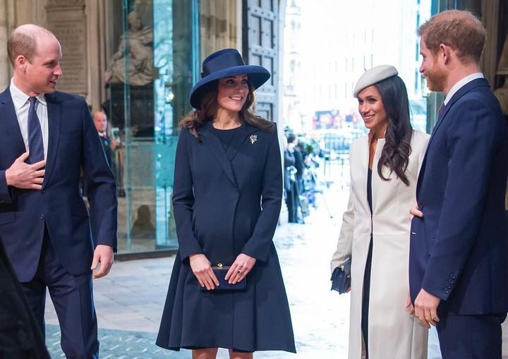 Intip momen-momen kebersamaan William-Kate dan Harry-Meghan yang akrab dan hangat. Dua pasangan ini beberapa kali sempat menjalani kegiatan kerajaan bersama.