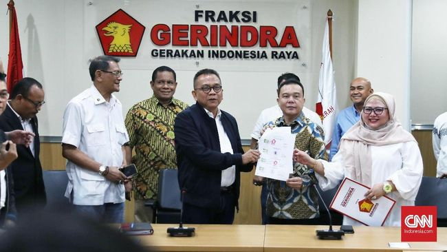 DPD Gerindra DKI Jakarta menepis pernyataan Fraksi PKS DPRD DKI yang menyebut tidak diikutsertakan dalam pemilihan nama cawagub DKI Jakarta.