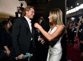 Brad Pitt Genggam Tangan Jennifer Aniston di SAG Awards 2020