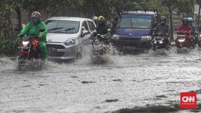 Hujan yang mengguyur sejak Minggu (24/1) pagi, membuat sejumlah wilayah di 6 kecamatan Kota Bekasi terendam banjir.