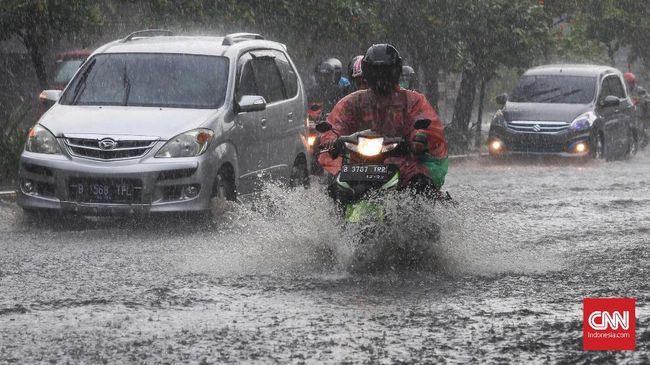 Pemprov DKI Jakarta memaparkan data terkait banjir yang melanda ibu kota sejak era masa kepemimpinan Sutiyoso hingga Anies Baswedan.