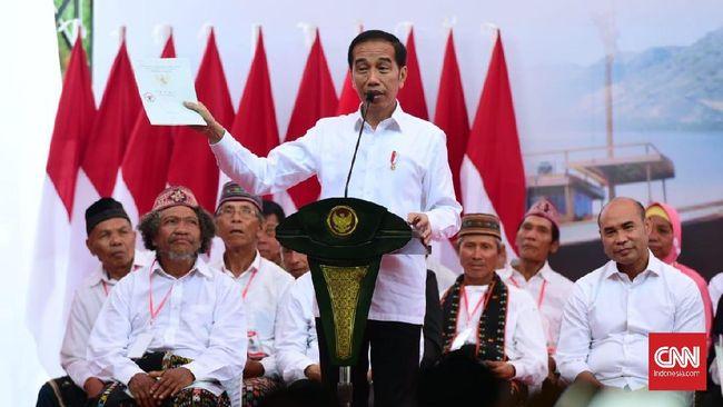 Presiden Jokowi menargetkan menerbitkan 11 juta lembar sertifikat tanah gratis, namun realisasinya menurut Kementerian ATR hanya 6,8 juta lembar.