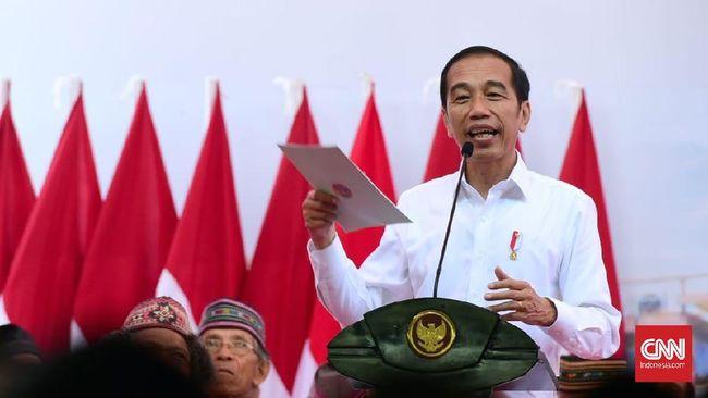 Jokowi mewanti-wanti Menteri ATR Sofyan Djalil agar penyerahan sertifikat tanah sesuai target, yakni 7 juta pada tahun ini.