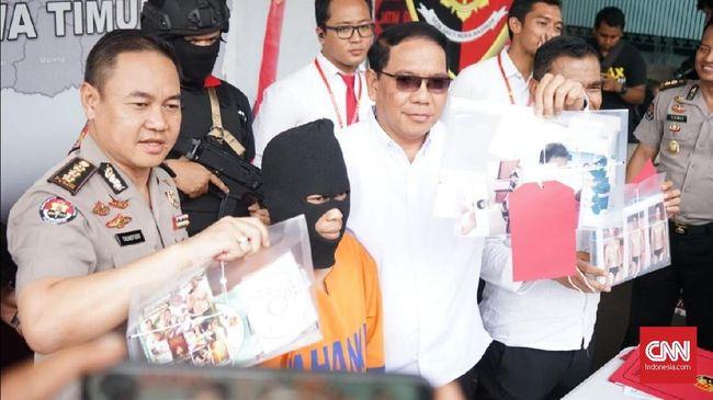 Mochammad Hasan alias Mami Hasan (41) merupakan Ketua Ikatan Gay Tulungagung (Igata) yang diduga sudah mencabuli belasan anak.