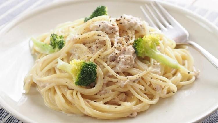 Selain enak dan simpel, resep spaghetti tuna sambal matah ini juga ternyata mengandung protein yang tinggi untuk memberikan energi dalam beraktivitas lho, Bun.