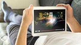 Ego di Balik Indah Gelombang Pasang Pelanggan Streaming