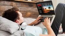 Mengenal Manfaat dan Dampak Cahaya Biru di Ponsel atau Laptop