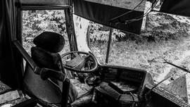 Sopir Kantuk Injak Rem Penyebab Truk Terguling di Tomang
