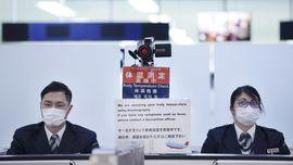 FOTO: Upaya Mencegah Masuk Virus Corona di Sejumlah Bandara