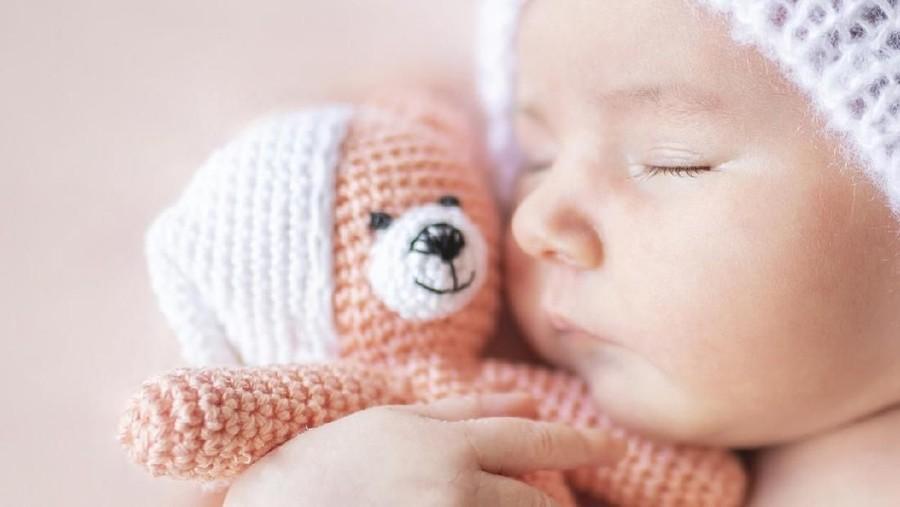 20 Nama Bayi Perempuan Bermakna Penyayang