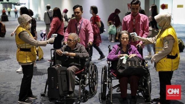 PT Cahaya Matahari Rembulan, biro perjalanan di Solo, Jawa Tengah menyetop penjualan tiket untuk turis China datang ke Solo.