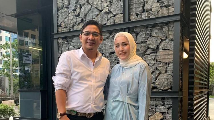 Pasha 'Ungu' melarang istrinya, Adelia untuk masak di dapur karena takut kecipratan minyak panas. Mengetahui kabar itu, netizen pun memberikan reaksi lucu.