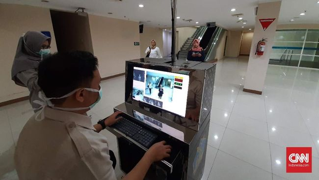 Humas RSUD Dr Soetomo Pesta Parulian mengatakan pasien asal China yang dirawat di RS Dr Soetomo hanya menderita bronkitis, serta batuk dan pilek.