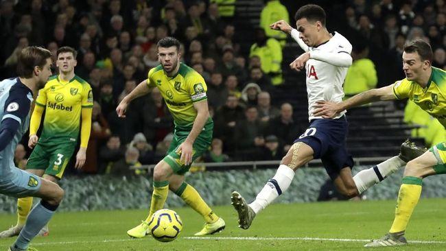 Tottenham Hotspur dan Leicester City sukses meraup tiga poin pada lanjutan Liga Inggris, Rabu (22/1) waktu setempat.