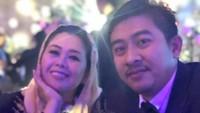 <p>Yenny Wahid menjadi wajah baru di Garuda Indonesia. Ia ditunjuk Menteri BUMN Erick Tohir menjadi salah satu komisarisnya. Diketahui dalam galeri Instagram-nya sisi lain Yenny Wahid begitu cinta keluarga. (Foto: Instagram @yennywahid)</p>