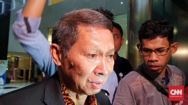 Menurut KPK, penyidik masih mempelajari laporan kerugian negara dari BPK. Jumlah kerugian negara belum bisa diungkap ke publik.