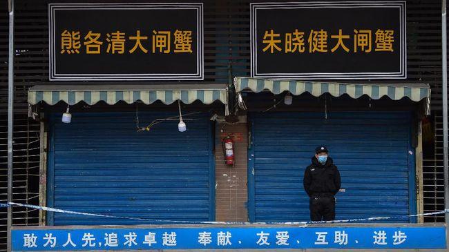 Denyut kehidupan seakan melambat di Wuhan. Penduduk tidak boleh meninggalkan kota. Sekilas mirip suasana dalam film post-apokaliptik.