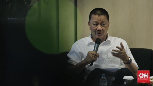 Direktur Utama Garuda Indonesia Irfan Setiaputra mengaku masih mampu menyelamatkan perusahaan meski utang menggunung akibat pandemi covid-19.