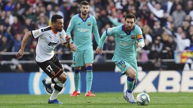Barcelona mengalami kekalahan 0-2 dalam lanjutan Liga Spanyol saat bertemu Valencia di Stadion Mestalla, Sabtu (25/1) malam WIB.