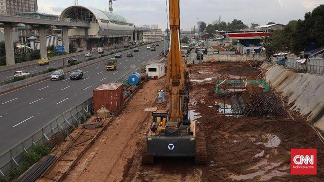 Jokowi memangkas jumlah proyek strategis nasional dari yang awalnya 227 menjadi tinggal 201 proyek.