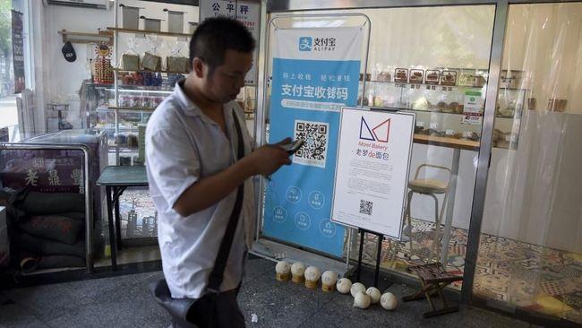 Bank sentral China berjanji menindak keras pelaku usaha fintech yang melakukan praktik monopoli dan menjual data.