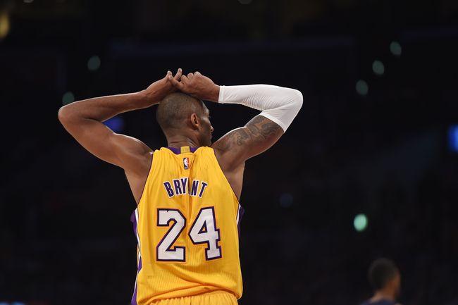 Pada saya, Kobe Bryant bukan hanya 'menghadiahkan' berupa penampilan mengerikan atau serangkaian pemecahan rekor, tapi Mamba Mentality.