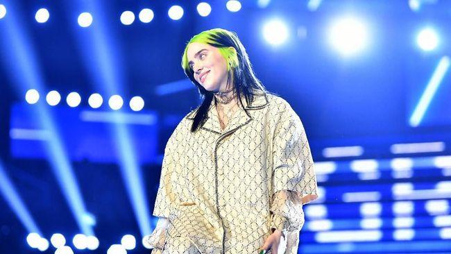 Billie Eilish menilai Megan Thee Stallion dan karyanya, Savage, lebih layak memenangkan kategori Record of the Year Grammy Awards 2021 dibandingkan dirinya.