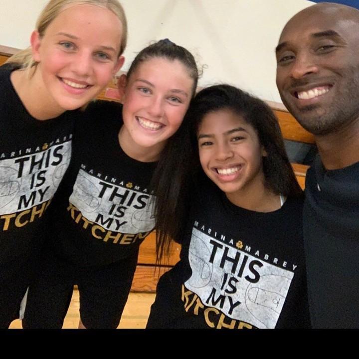 <p>Legenda basket NBA Kobe Bryant tewas dalam kecelakaan helikopter di Amerika Serikat pada Minggu (26/1/2020). Kobe meninggal bersama Gianna, putri yang disebut paling mencintai basket. (Foto: Instagram @kobebryant)</p>