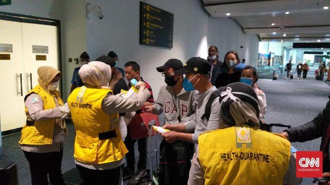 China mendesak seluruh warga mereka untuk menunda perjalanan ke luar negeri demi mencegah penyebaran virus corona yang telah menewaskan 106 orang.