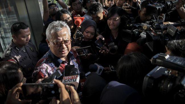 Ketua Komisi Pemilihan Umum (KPU) Arief Budiman bicara demikian usai DKPP meminta dirinya berhenti dari jabatannya.