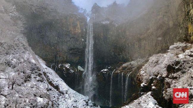 Air terjun Kegon terbentuk setelah berubahnya aliran Sungai Daiya karena letusan Gunung Nantai.