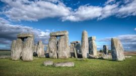 Tak Ada Perayaan Terbitnya Matahari Musim Panas di Stonehenge