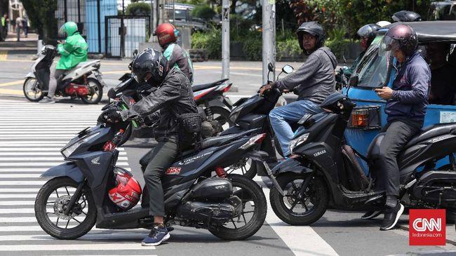 Penindakan terhadap pengendara motor yang tertangkap melakukan pelanggaran lewat sistem tilang elektronik akan diberlakukan mulai Senin (3/2).