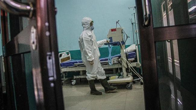 Berbagai upaya dikerahkan untuk mencegah penyebaran virus corona di Indonesia, mulai dari bandara hingga penanganan di rumah sakit.
